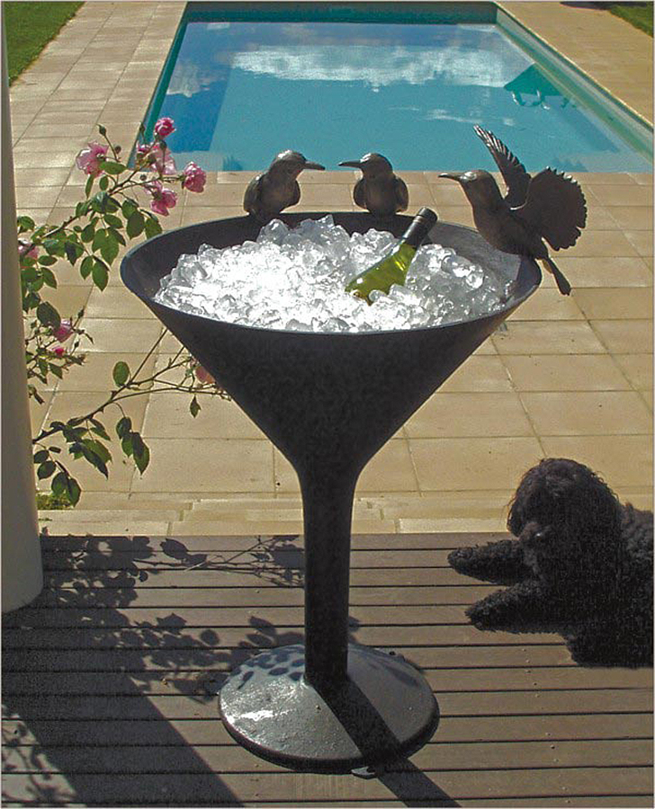 Bee-Eater Martini Style Birdbath Fountain